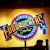 Photo taken at Fuddruckers by Emmanuel Jr O. on 7/6/2013