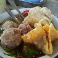 Photo taken at Bakso Mburi Pos by Sofie B. on 1/23/2013