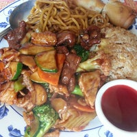 Photo taken at Wing's Chinese Restaurant by Vikie L. on 3/23/2013