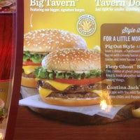 Photo taken at Red Robin Gourmet Burgers by Chris W. on 5/20/2013