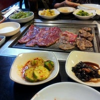 Photo taken at Seoul Garden Restaurant by Jinky C. on 9/28/2012