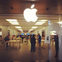 Photo taken at Apple La Maquinista by Adrian on 1/25/2013