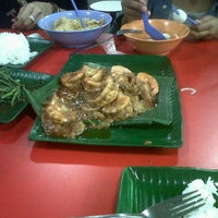 Photo taken at Bukit Merah Central Food Centre by rynda k. on 1/18/2013