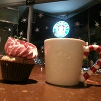 Photo taken at Starbucks by Mon L. on 12/17/2012