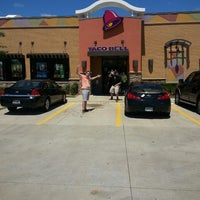 Photo taken at Taco Bell by Hunter G. on 7/27/2013