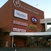 Photo taken at Shopping Poços de Caldas by Leandro R. on 8/3/2013