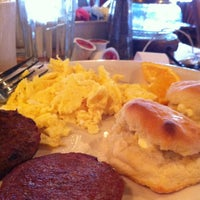 Photo taken at Cracker Barrel Old Country Store by Allen R. B. on 1/31/2013