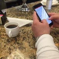 Photo taken at Robert's Restaurant by Monica🌺Gutierrez R. on 3/29/2015