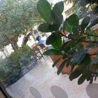 Photo taken at Biella - Italian Ristorante Café by Tala A. on 5/24/2013