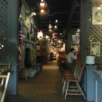 Photo taken at Cracker Barrel Old Country Store by Raulston D. on 9/15/2012