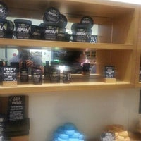 Photo taken at LUSH Fresh Handmade Cosmetics by Ia G. on 10/21/2012