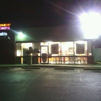 Photo taken at Dunkin' Donuts by MamaDox85 on 9/24/2012