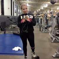 Photo taken at 24 Hour Fitness by Таня on 12/12/2015