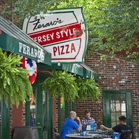 Photo taken at Feraro's Jersey Style Pizza by Riverfront Times on 8/4/2014