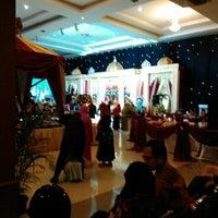 Photo taken at Hotel & Restaurant Sari Kuring Indah by Farjumzal A. on 8/20/2016