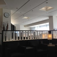 Photo taken at ANA SUITE LOUNGE  - Satellite 4, Terminal 1 by Hiro S. on 10/1/2012