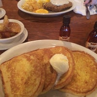 Photo taken at Cracker Barrel Old Country Store by Danny M. on 3/21/2014