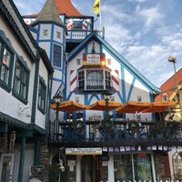 Photo taken at Old Heidelberg German Restaurant & Lounge by Todd M. on 11/22/2016