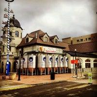 Photo taken at Hofbräuhaus Pittsburgh by Serge C. on 11/27/2012