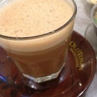 Photo taken at OldTown White Coffee by Azman K on 11/21/2012