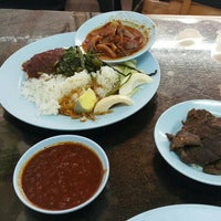Photo taken at Restoran Nasi Lemak Lido by mohicans f. on 11/7/2015