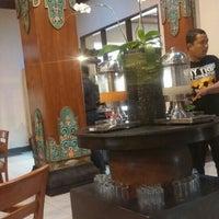 Photo taken at The Jayakarta Yogyakarta Hotel by Utami R. on 10/17/2015