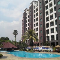 Photo taken at Swimming Pool Kristal Hotel by Franz S. on 6/9/2014