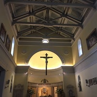 Photo taken at Iglesia de la Veracruz by Skiddo on 10/24/2015