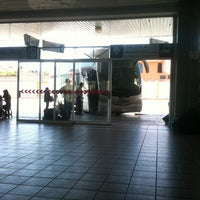 Photo taken at Central de Autobuses by Shane Lucresia on 3/31/2013