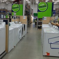 Photo taken at Lowe's Home Improvement by Amber G. on 2/21/2013