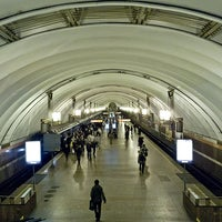 Photo taken at metro Ligovsky Prospekt by Fоursquаrе по-русски on 10/28/2012
