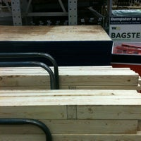 Photo taken at Lowe's Home Improvement by Monfreda on 12/10/2012