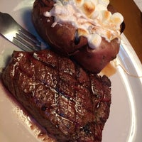 Photo taken at Texas Roadhouse by Shane W. on 9/25/2015
