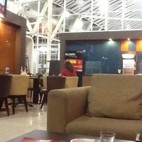 Photo taken at BLUE SKY Executive Lounge by Stepanus W. on 10/30/2012