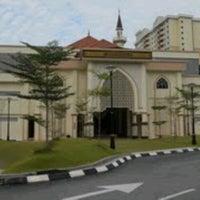 Photo taken at Masjid Al Najihin (مسجد الناجيهين) by ABU HASSAN S. on 4/19/2013