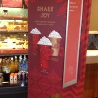 Photo taken at Starbucks by Lisette P. on 11/13/2013