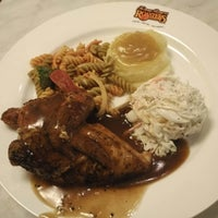 Photo taken at Kenny Rogers Roasters by Hou F. on 8/7/2016