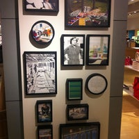 Photo taken at Crate & Barrel by Yeounkyung K. on 2/17/2013