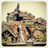 Photo taken at Splash Mountain by B T. on 10/9/2012
