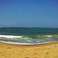 Photo taken at Praia de Itaparica by Larissa R. on 10/12/2012