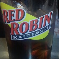 Photo taken at Red Robin Gourmet Burgers by Debbie S. on 4/19/2013