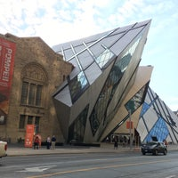 Photo taken at Royal Ontario Museum - ROM Governors by Melis C on 11/5/2015