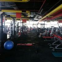 6/27/2013 tarihinde yasin ♏ziyaretçi tarafından EFC Fitness Spa&Club'de çekilen fotoğraf