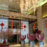Photo taken at Sheraton Guangzhou Hotel 广州喜来登酒店 by Zhewen H. on 2/18/2013