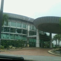 Photo taken at Dewan Perdana Felda by Nur Muhammad N. on 3/28/2013
