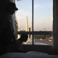Photo taken at Baan Dinso Hostel by Yok S. on 11/10/2012
