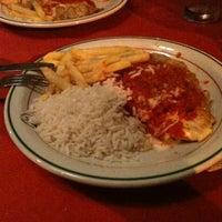 Photo taken at Pizzaria San Remo by Vizinho on 11/28/2012