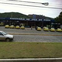 Photo taken at Terminal Rodoviário Miguel Mansur by Renata L. on 11/15/2012