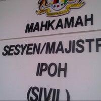 Photo taken at Mahkamah Tinggi Ipoh (High Court) by Max N. on 7/17/2013