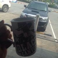 Photo taken at Black Canyon Coffee by 🌺 ~H2o+ 🌺 on 10/19/2015